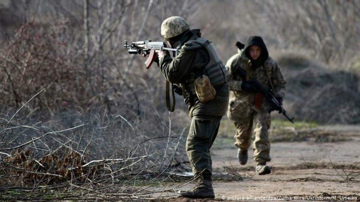 На Донбассе подорвался украинский военный: первые детали