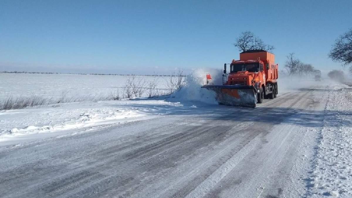 Снігопади й ускладнений рух: яка ситуація в областях 14.02.2021