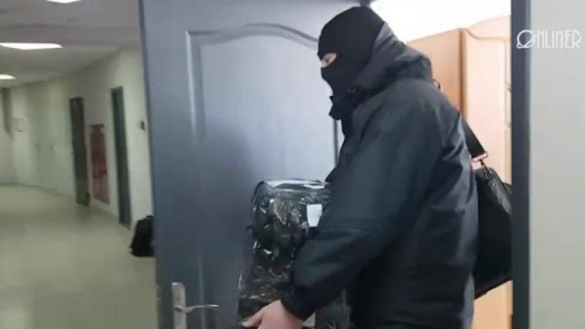 В Беларуси обыскивают журналистов и правозащитников: есть задержанные