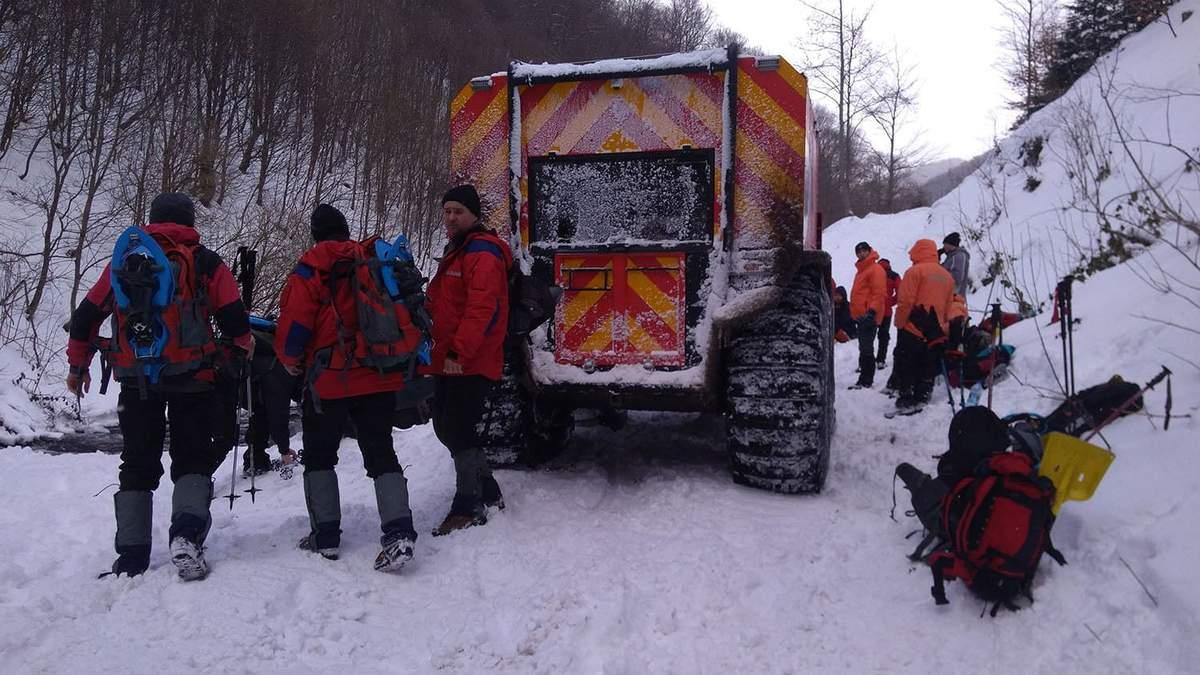 На Прикарпатье из-за снегопадов 2 села отрезаны от сообщения, еще 7 – частично