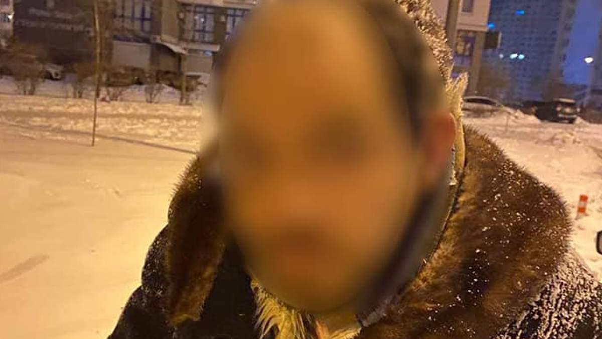Сходив по великому та обікрав квартиру: у Києві впіймали злодія