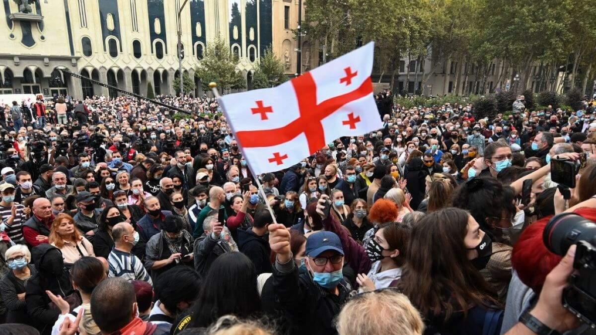В Тбилиси 19 февраля 2021 начались протесты: есть задержанные