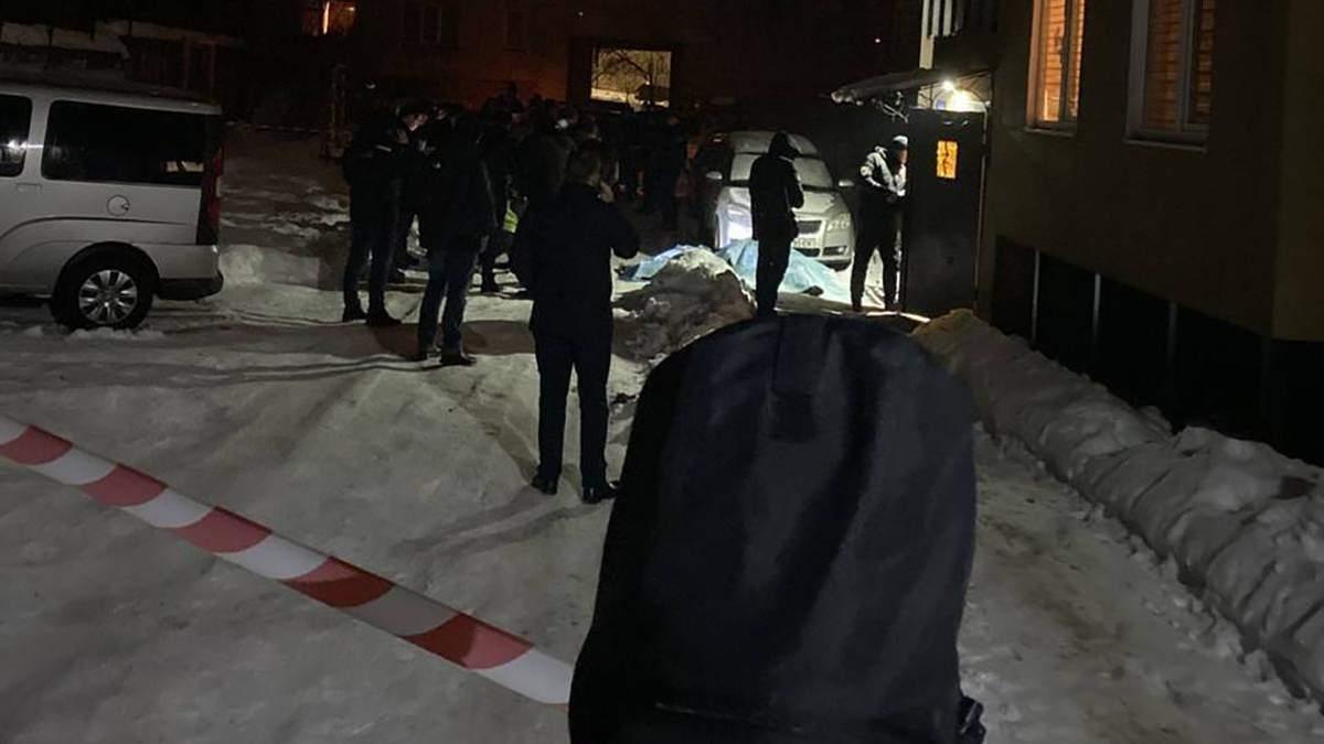 У Дрогобичі на Львівщині біля під'їзду вибухнула граната: загинули молоді люди – фото