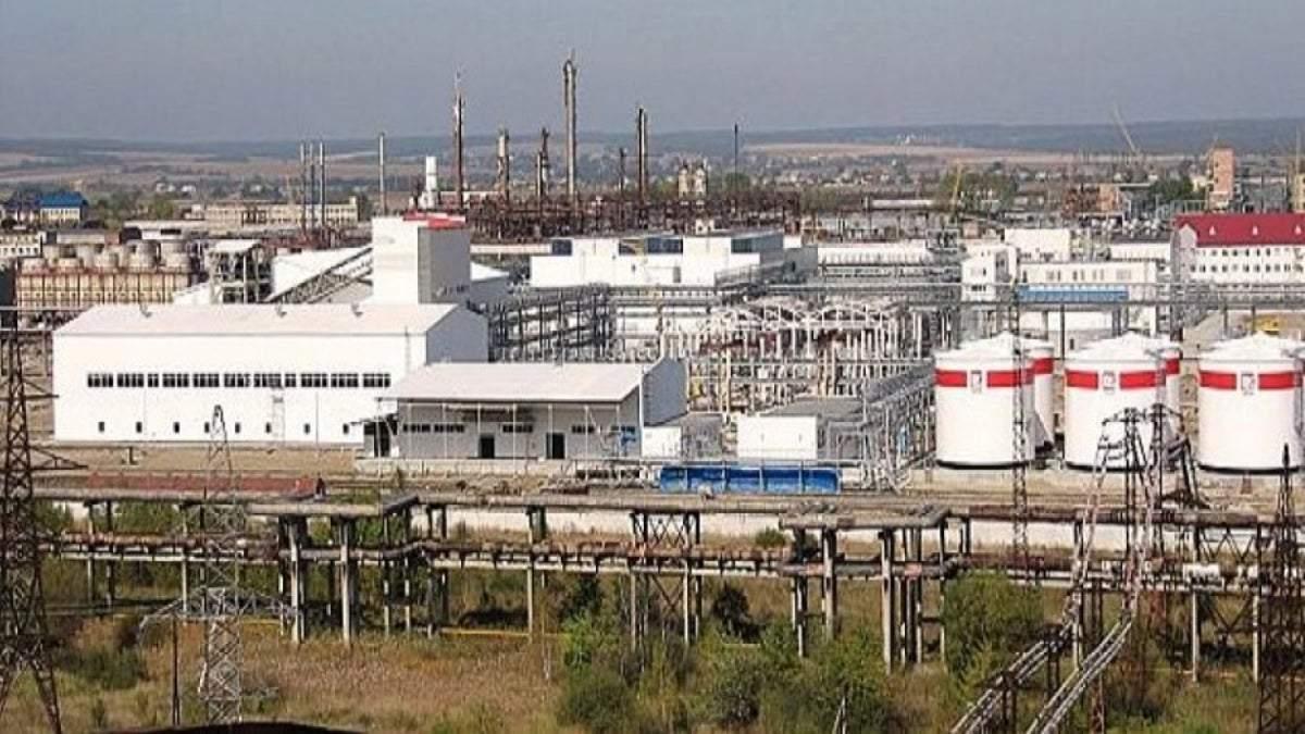 В Калуше на заводе Карпатнефтехим снова вспыхнули химические испарения