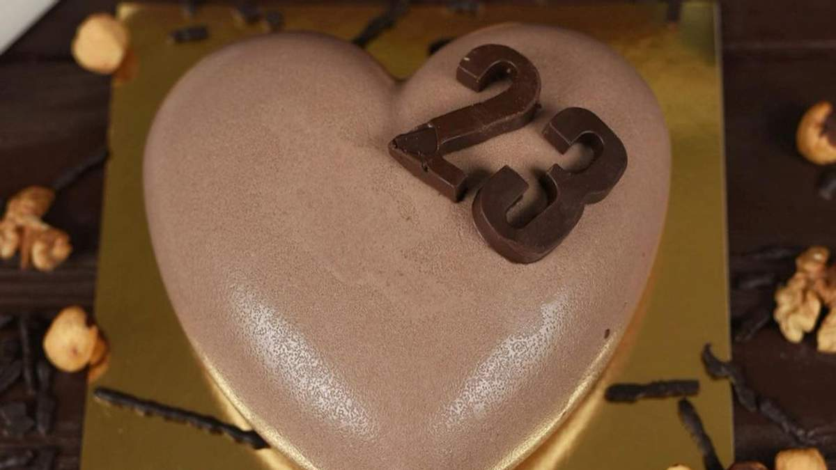 У Харкові кондитерська Fit kitchen вирішила відсвяткувати 23 лютого 2021: усі подробиці скандалу