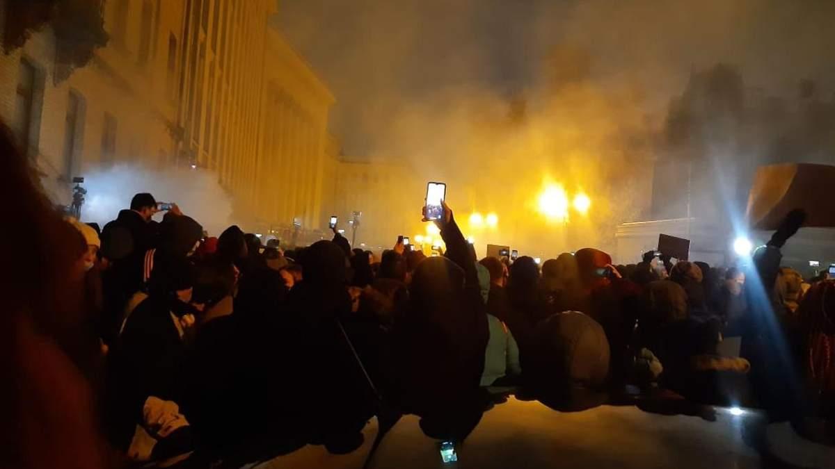 На протестах из-за приговора Стерненку, Киев есть пострадавшие – подробности