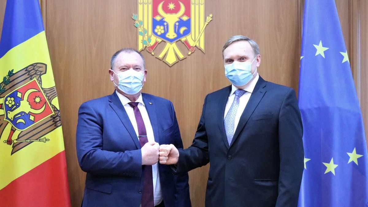 Україна пообіцяла Молдові не пропускати авто з номерами Придністров'я