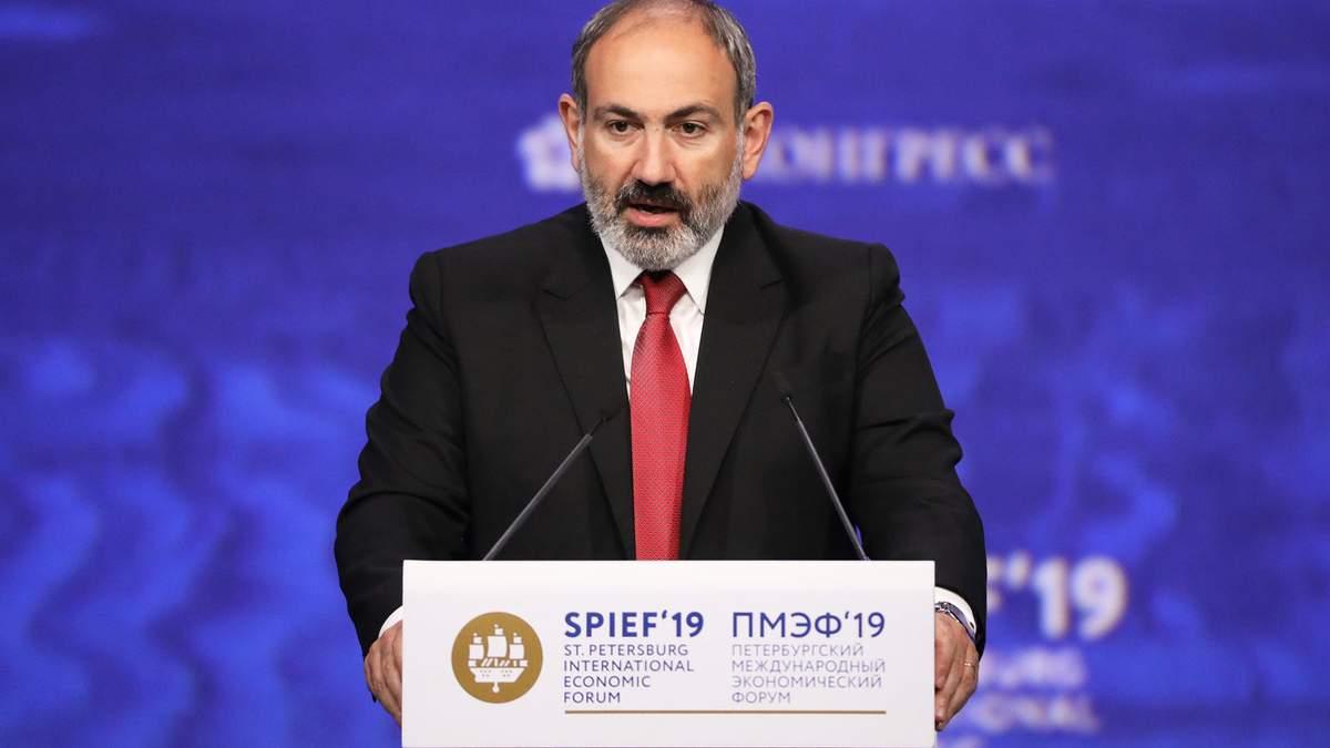 Пашинян запевнив, що досі контролює армію Вірменії