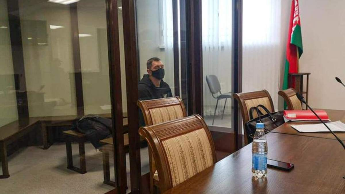 У Білорусі за участь в акціях протесту засудили покійника