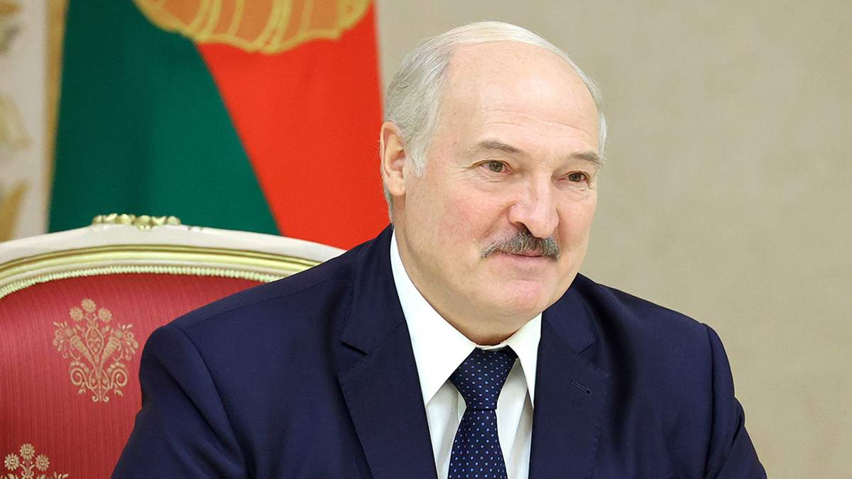Олександр Лукашенко заперечив передачу посту президента сину Віктору