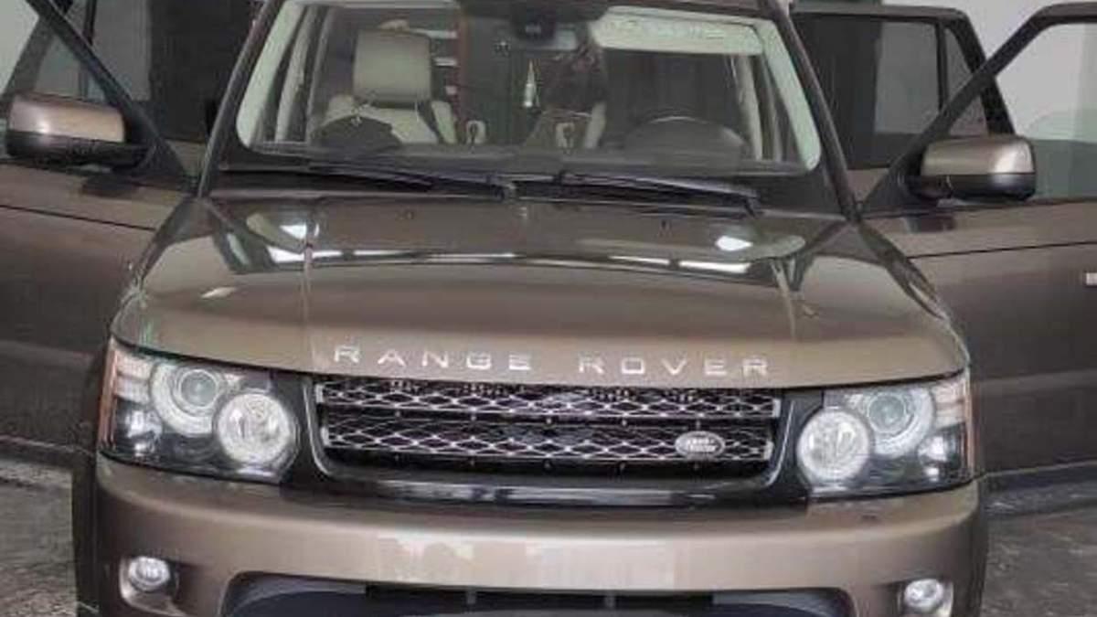 Понад 700 пачок цигарок у Land Rover: прикордонники затримали контрабандиста – фото