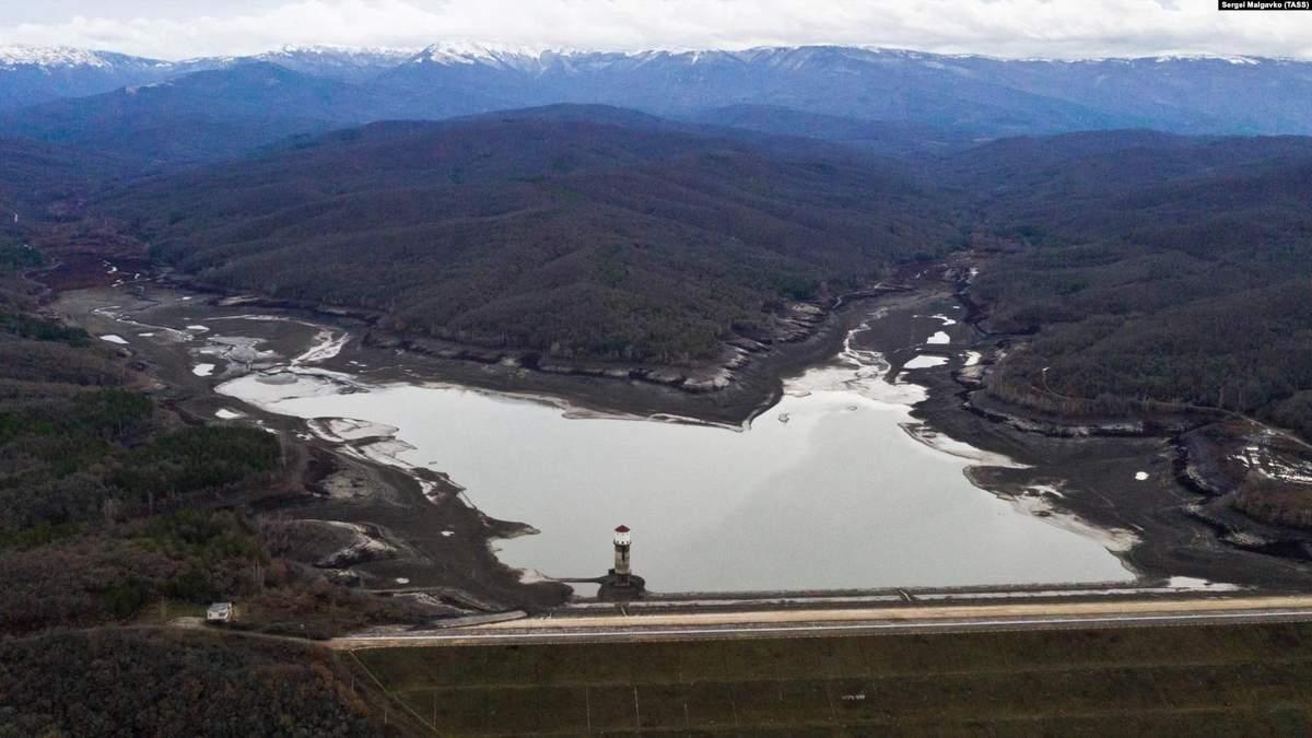 Два водосховища в Криму остаточно висохли