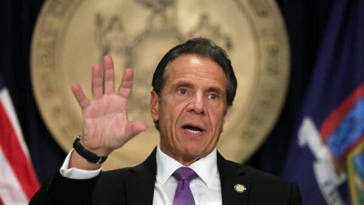 Губернатора Нью-Йорка Эндрю Куомо обвинили в домогательствах