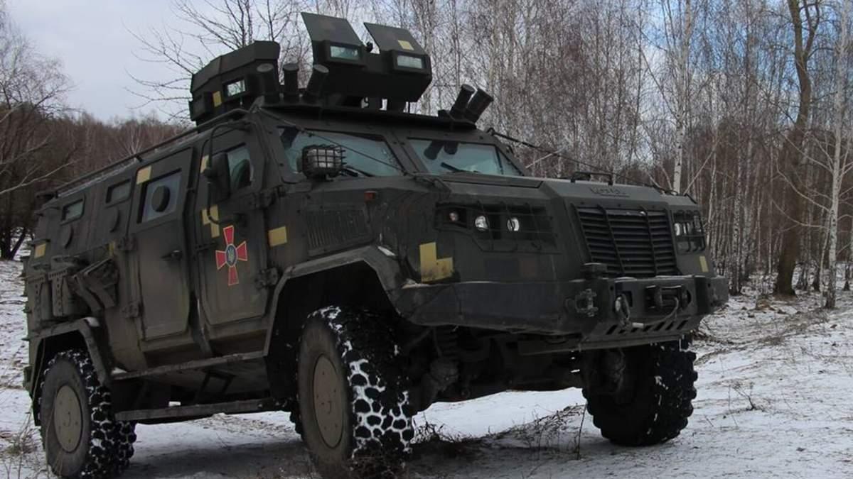Автомобиль с украинскими военными подорвался на Донбассе