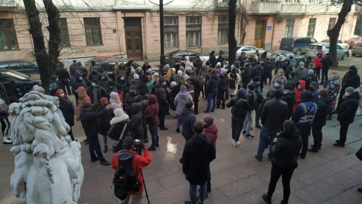 В Черновцах протестовали предприниматели против красной зоны - видео