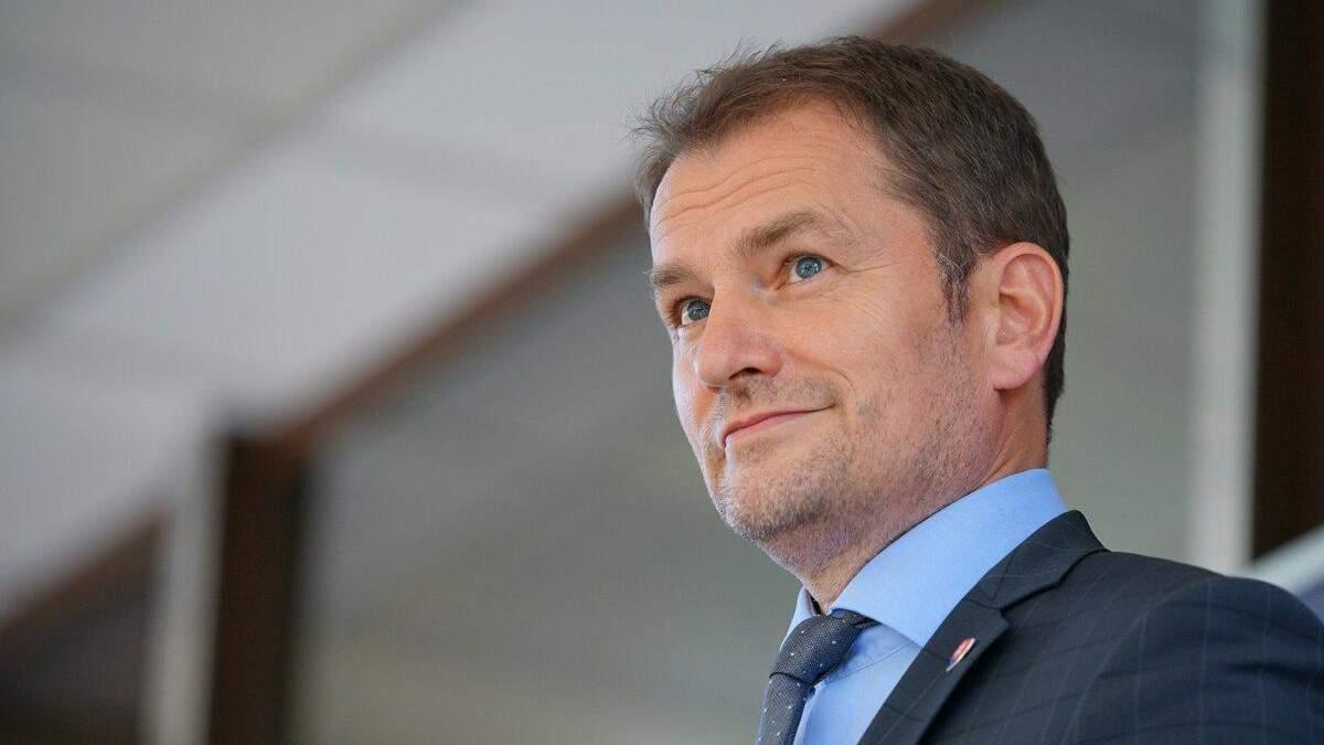 Прем'єр Словаччини невдало пожартував про Закарпаття та вакцину з РФ