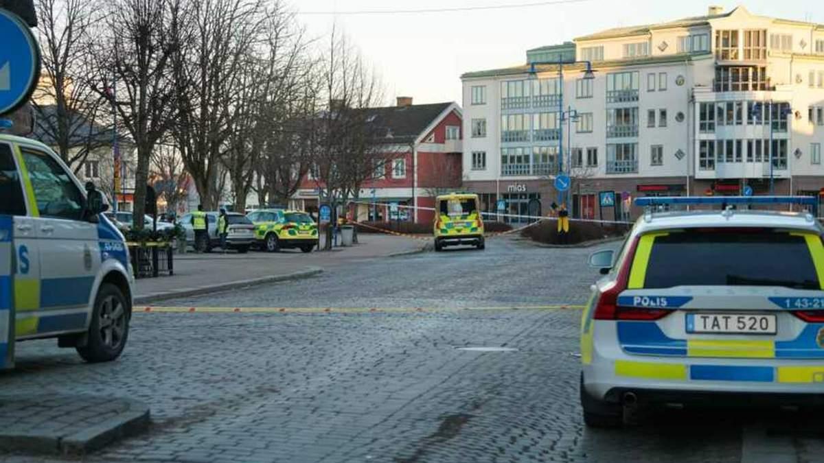 Нападение в Швеции: в Ветланде мужчина ножом ранил 8 прохожих