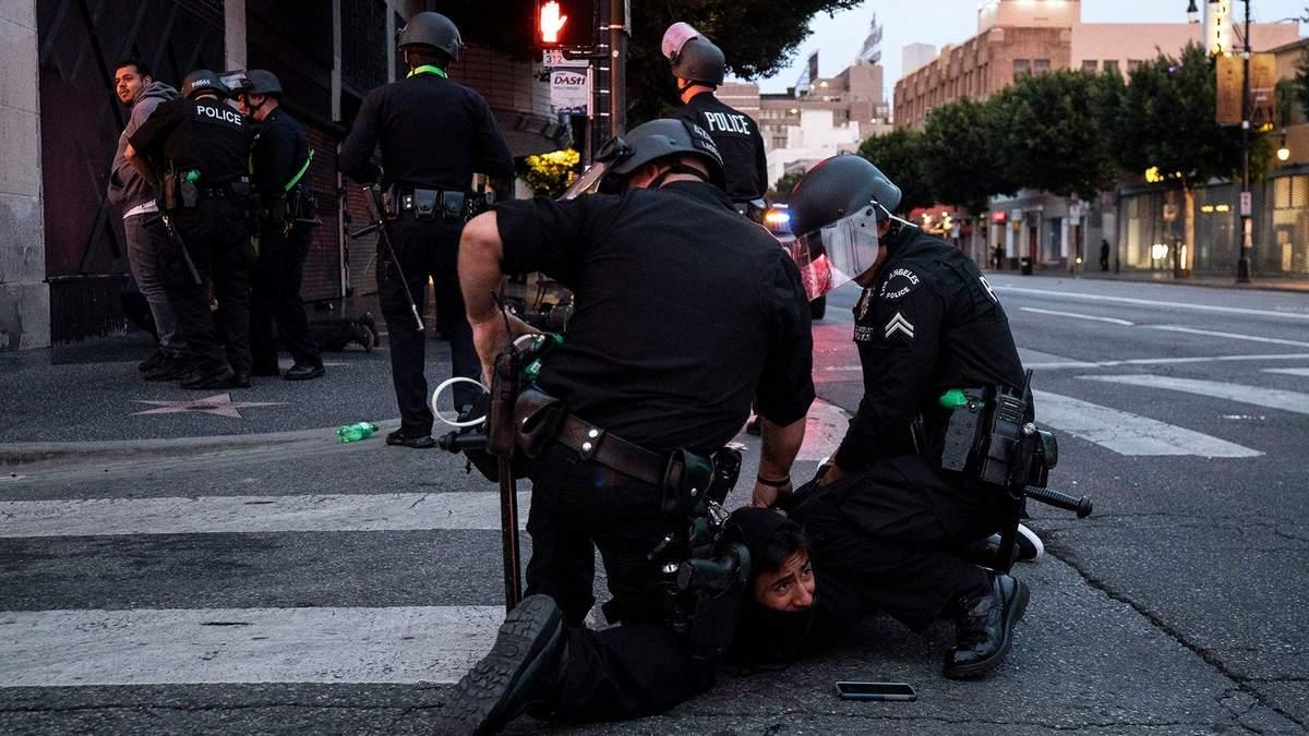 Убийство Флойда: Конгресс США поддержал реформу полиции