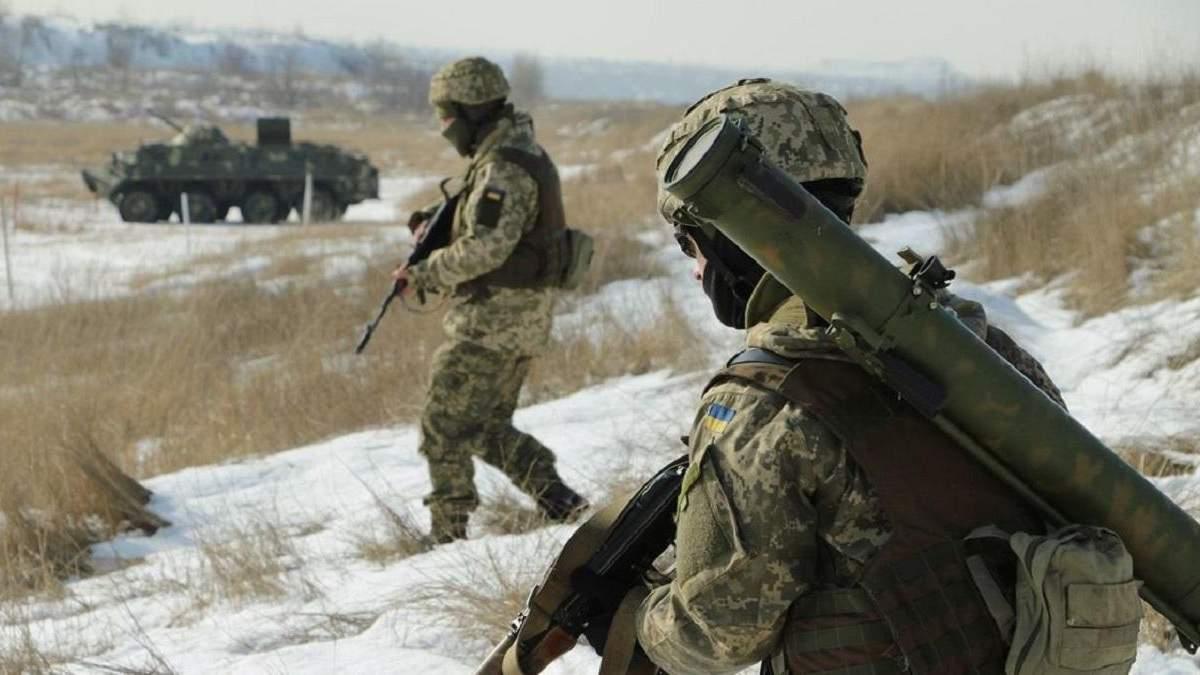 Боевики игнорируют тишину на Донбассе, раненный в тяжелом состоянии