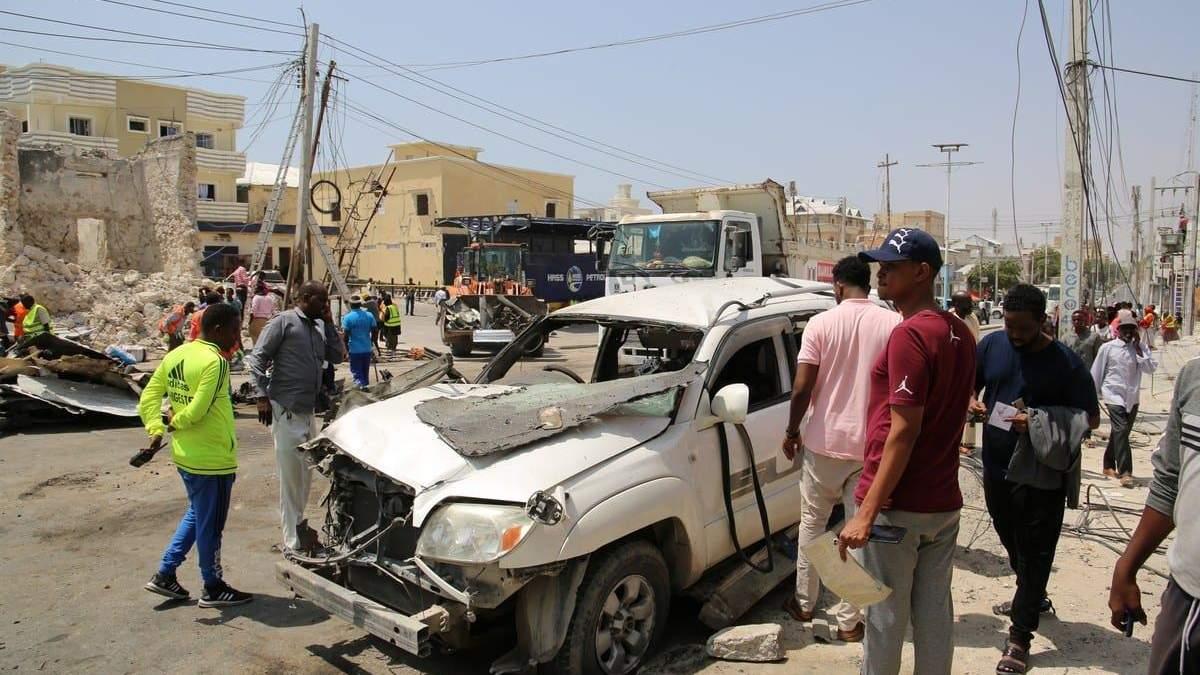 Взрыв в ресторане в Сомали 05.03.2021: десятки погибших - видео
