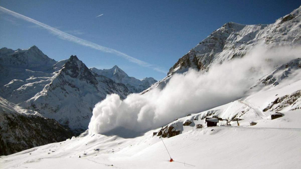 У Карпатах оголосили загрозу сходження лавин