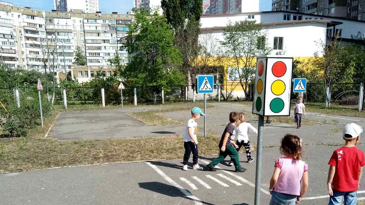 В Киеве в саду мальчиков наказывают за то, что они писают стоя