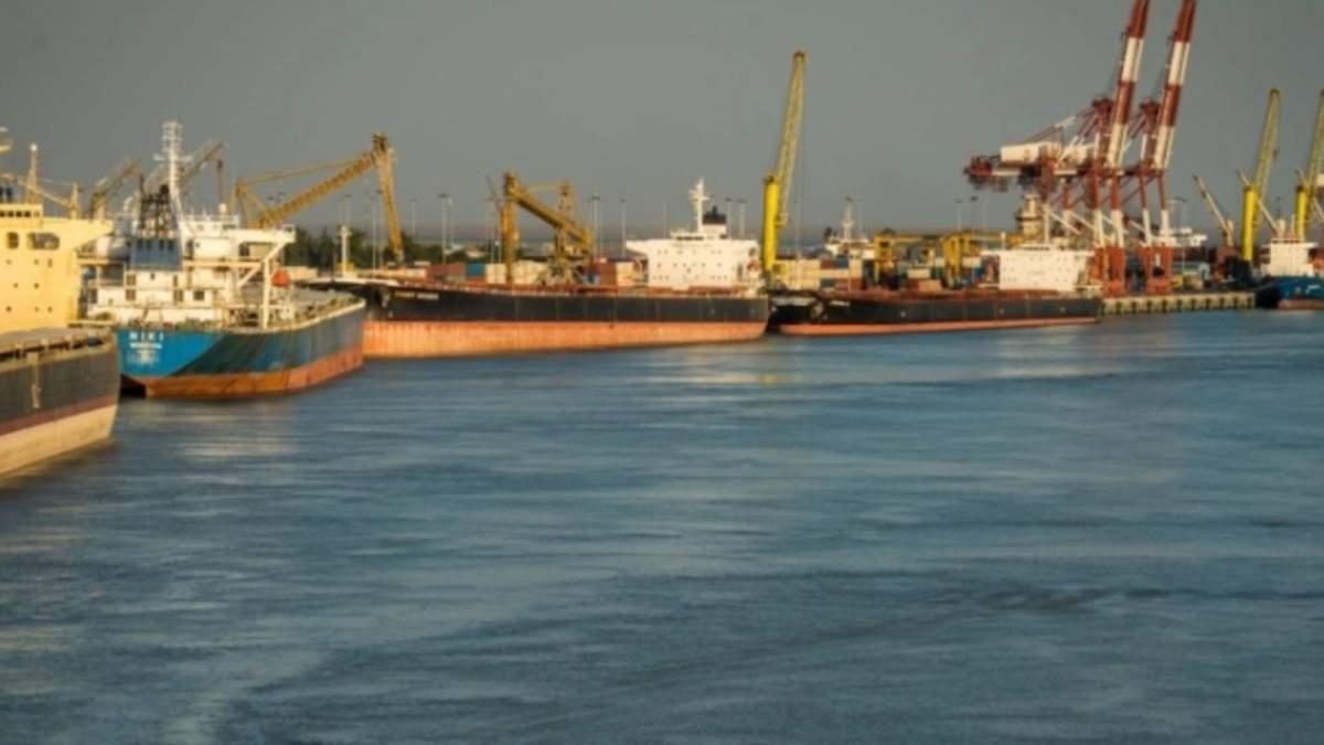 Иранский корабль атаковали в Средиземном море