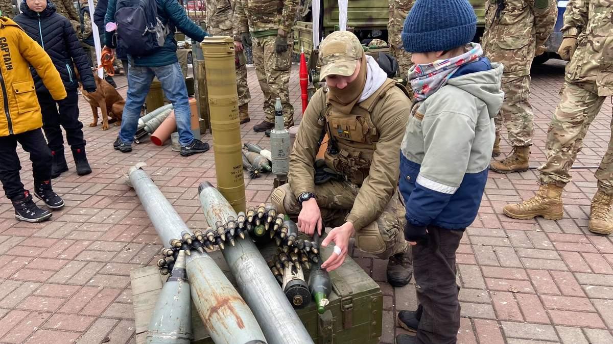 Как в Украине отмечают День добровольца 2021 – фото, видео