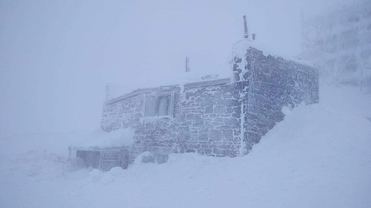 У Карпатах – хуртовини: є небезпека сходження лавин