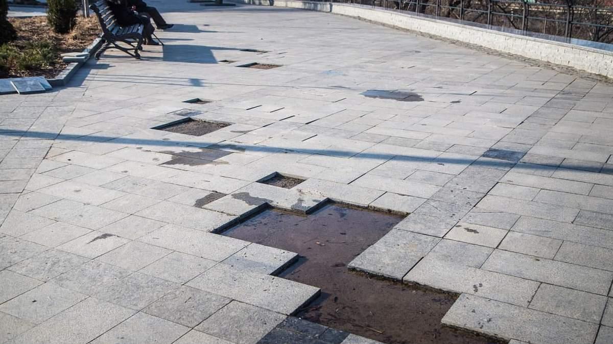 В Одесі відвалюється плитка бульвару за 94 мільйони