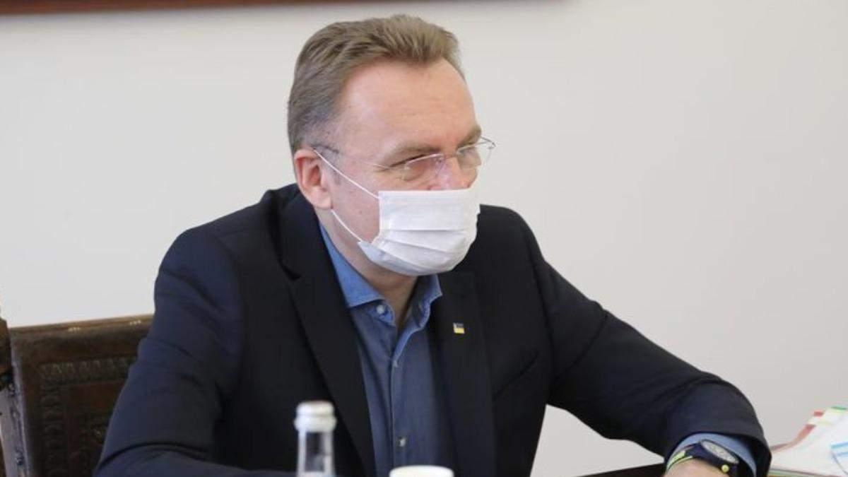 Садовий попросив допомоги через ситуацію у Львові: не вистачає лікарів