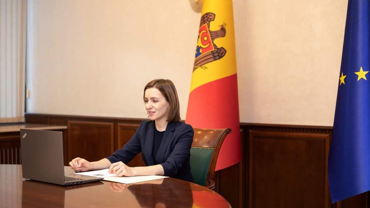 КС Молдовы разрешил Санду назначать премьера Гросу