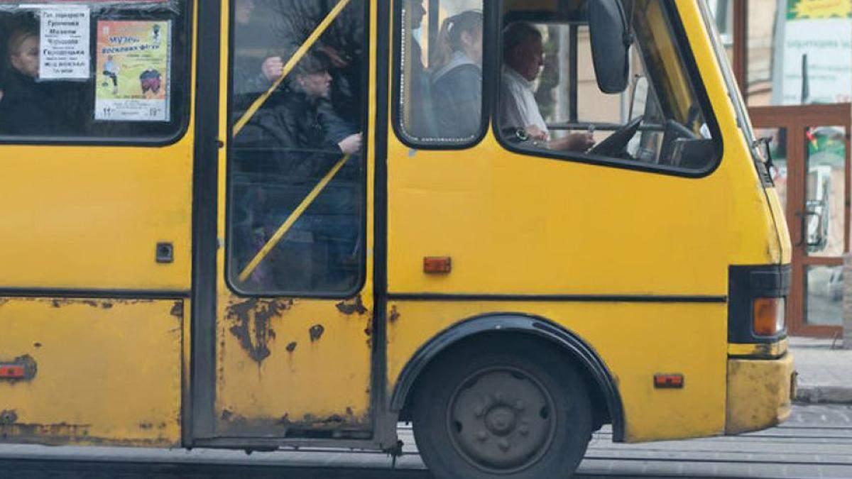У Києві маршрутники просять Кличка заборонити їх офіційно