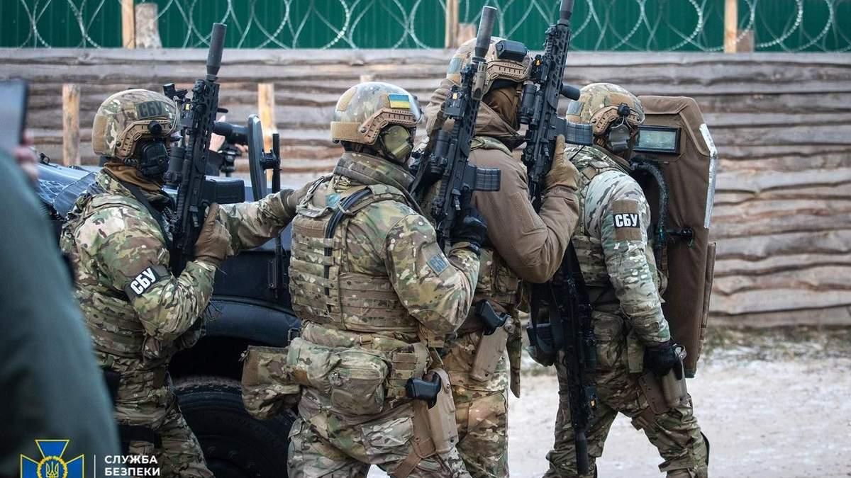 СБУ сообщила о подозрении Семену Семенченко и Евгению Шевченко