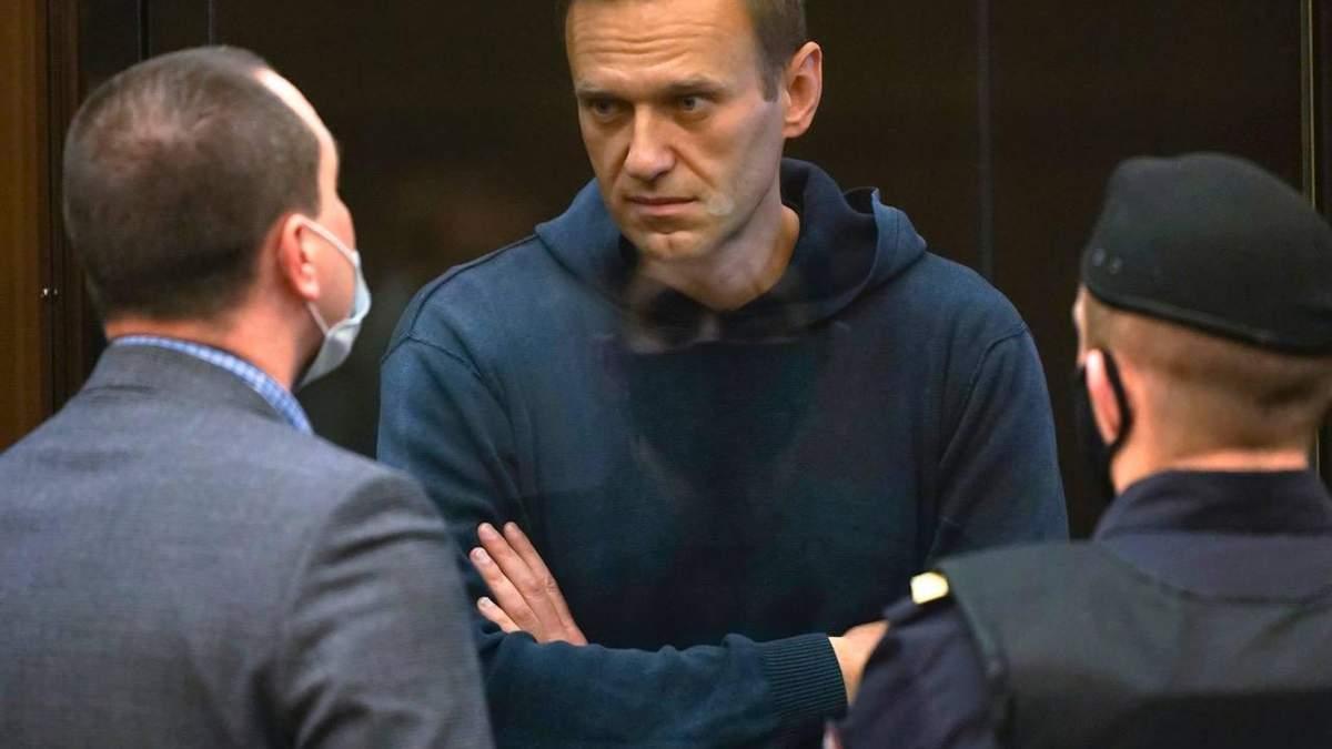 Навальная требует Путина отпустить ее мужа