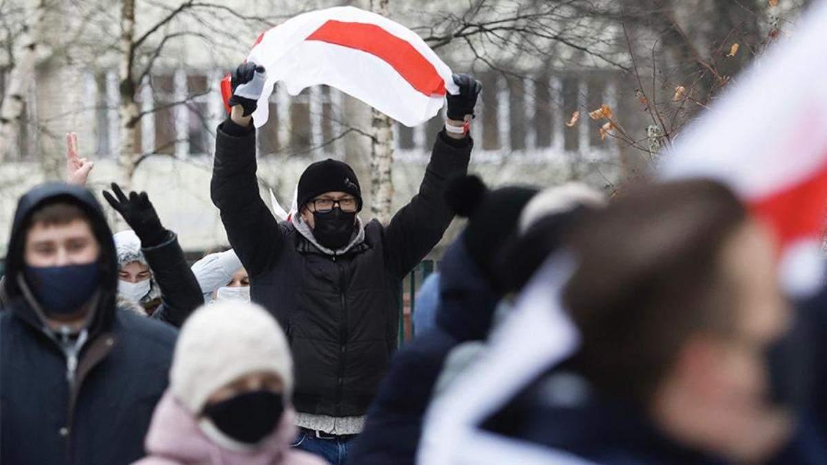 Під час протестів у Білорусі силовики затримали понад 200 людей