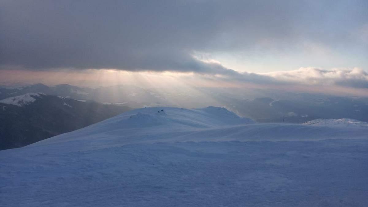У Карпатах – снігопади: синоптики попередили про небезпеку
