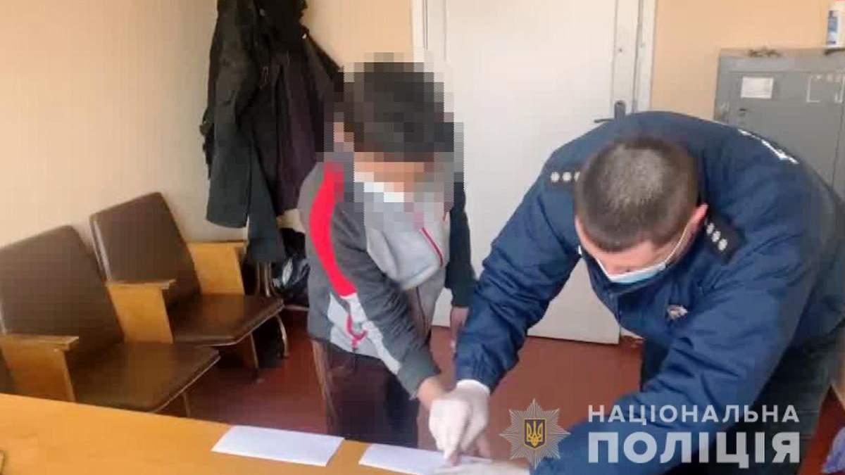 Двоє підлітків на Одещині побили до смерті безхатька