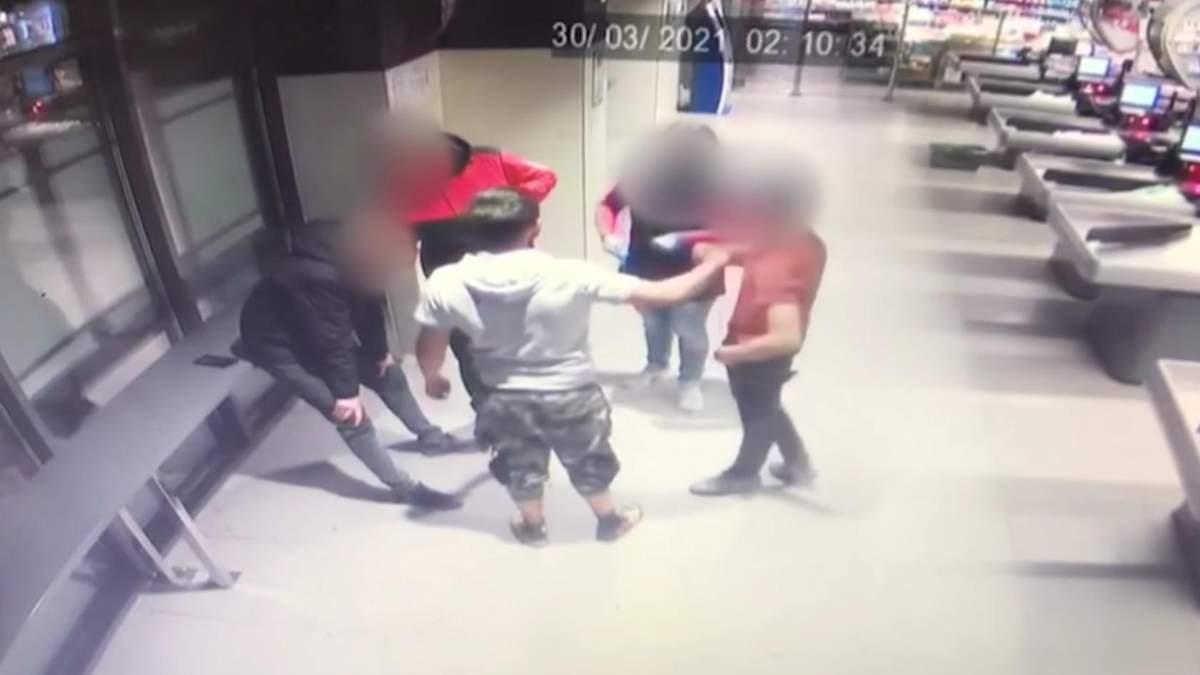 На Закарпатье подростки избили участника АТО: видео