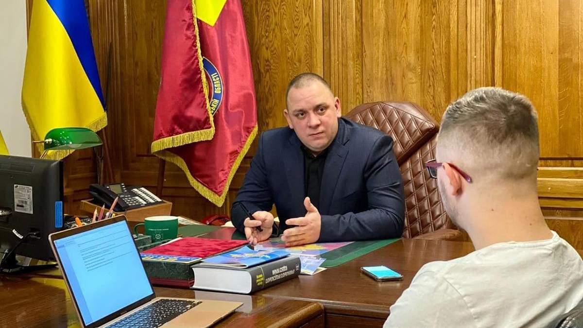 Жене начальника харьковского СБУ Дудина подарили 1,4 миллиона гривен