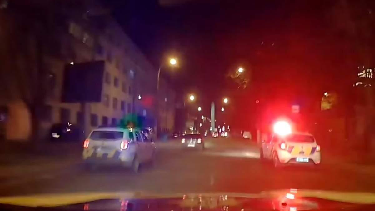 В Одесі водій під наркотиками врізався у авто патрульних: відео