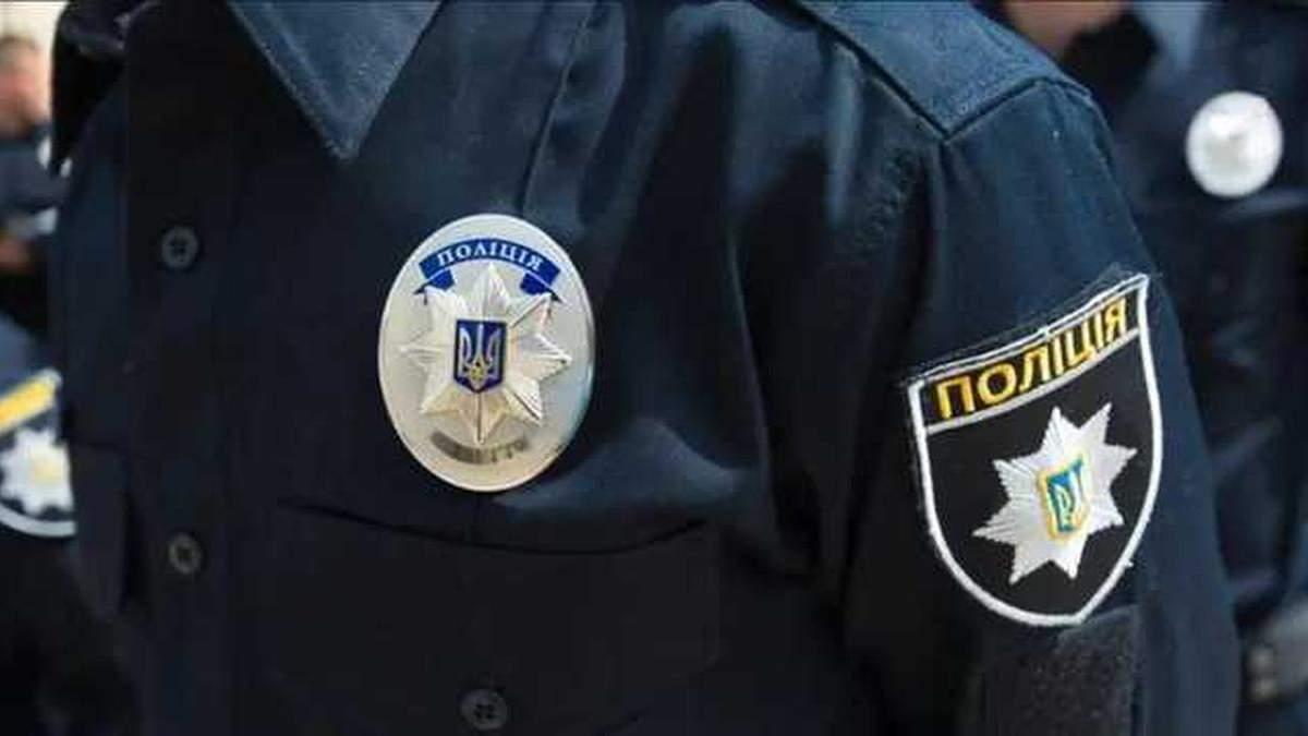 У Києві менеджер Держрезерву зарізався канцелярським ножем