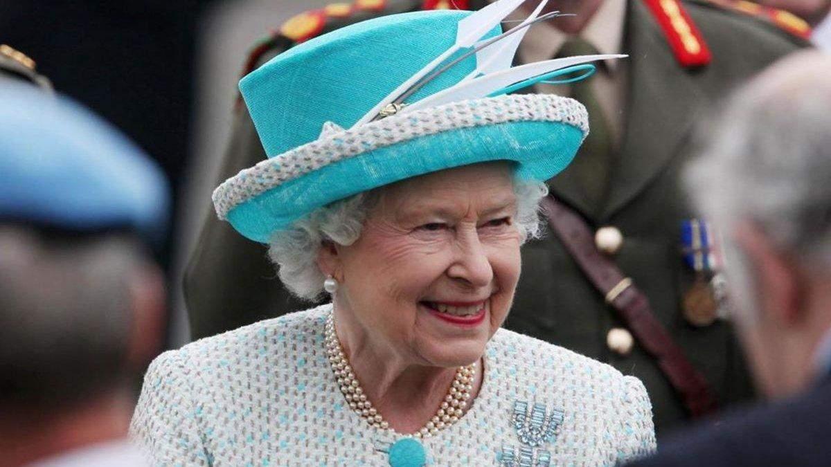 Елизавета II пошутила о преследовании российских истребителей