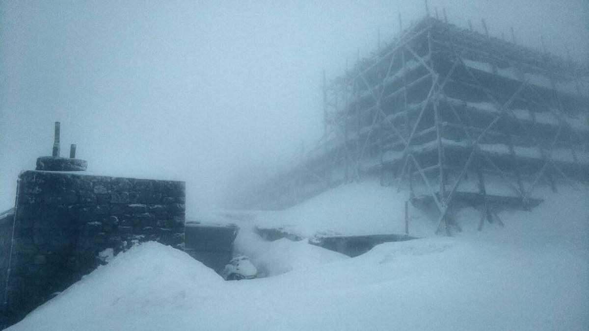 На високогір'ї Карпат 2 квітня до 15 сантиметрів снігу