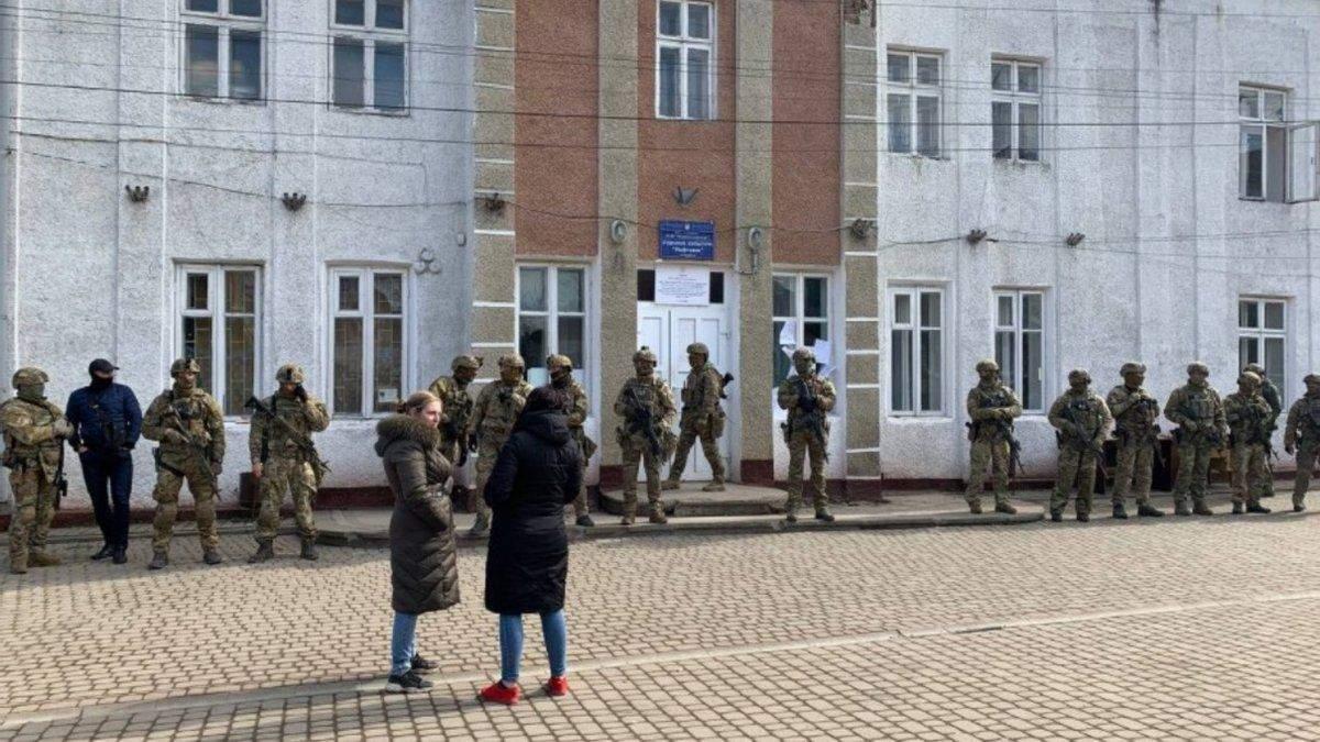 После выборов на Прикарпатье полиция открыла 17 уголовных дел