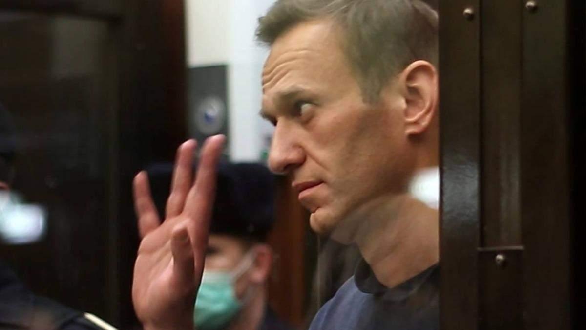 Кашель та температура: Навальний заявив про туберкульоз в колонії