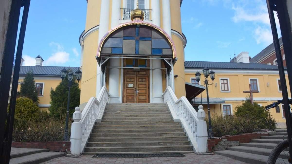В Дрогобыче 15-летние воры-рецидивисты обокрали церковь: фото