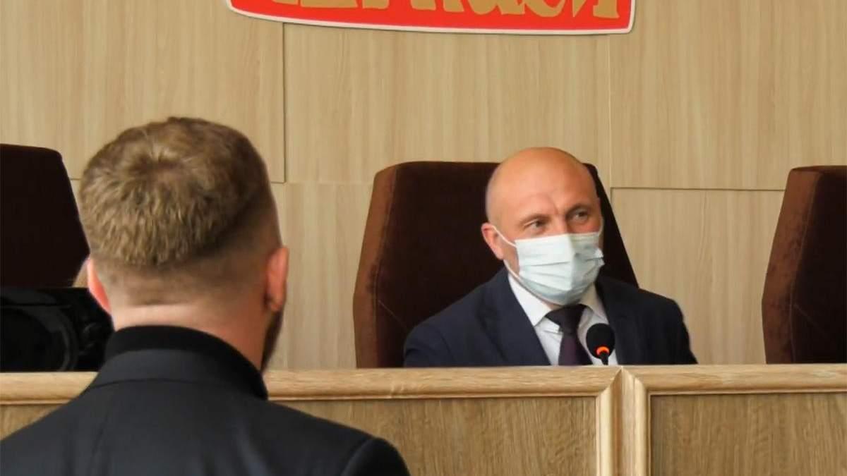 Словесные издевки в Черкасской мэрии между мэром и главой Нацкорпуса