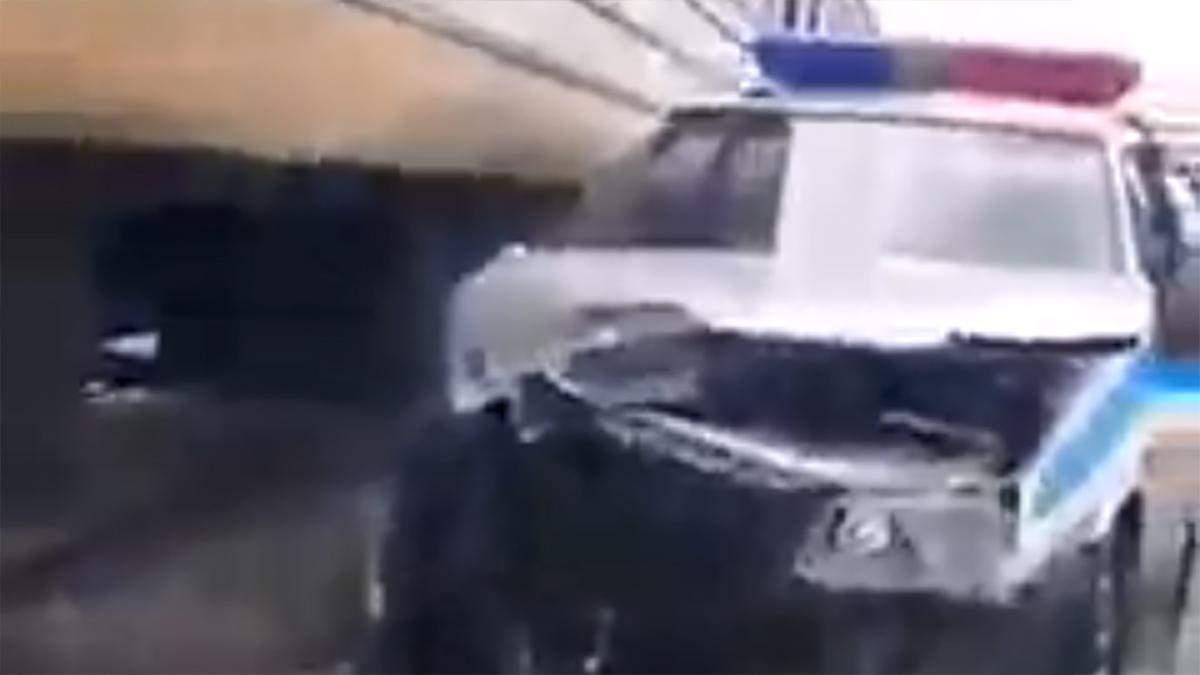 Зіткнення електрички та авто поліції на Дніпропетровщині