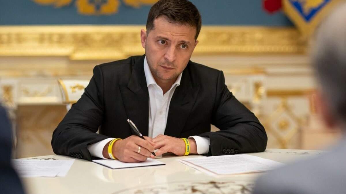 Зеленский подписал коллекторський закон